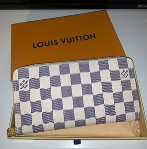 Authentic Louis Vuitton Checkered Zippy Wallet